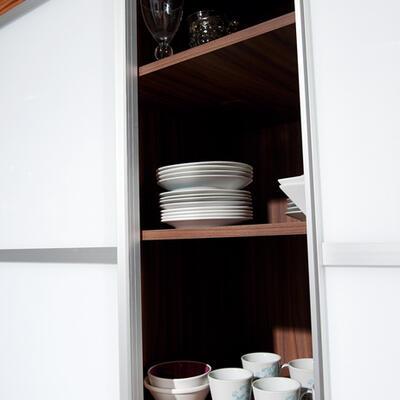 Rangement, Salle à manger, Portes coulissantes Zebrano et verre laqué blanc
