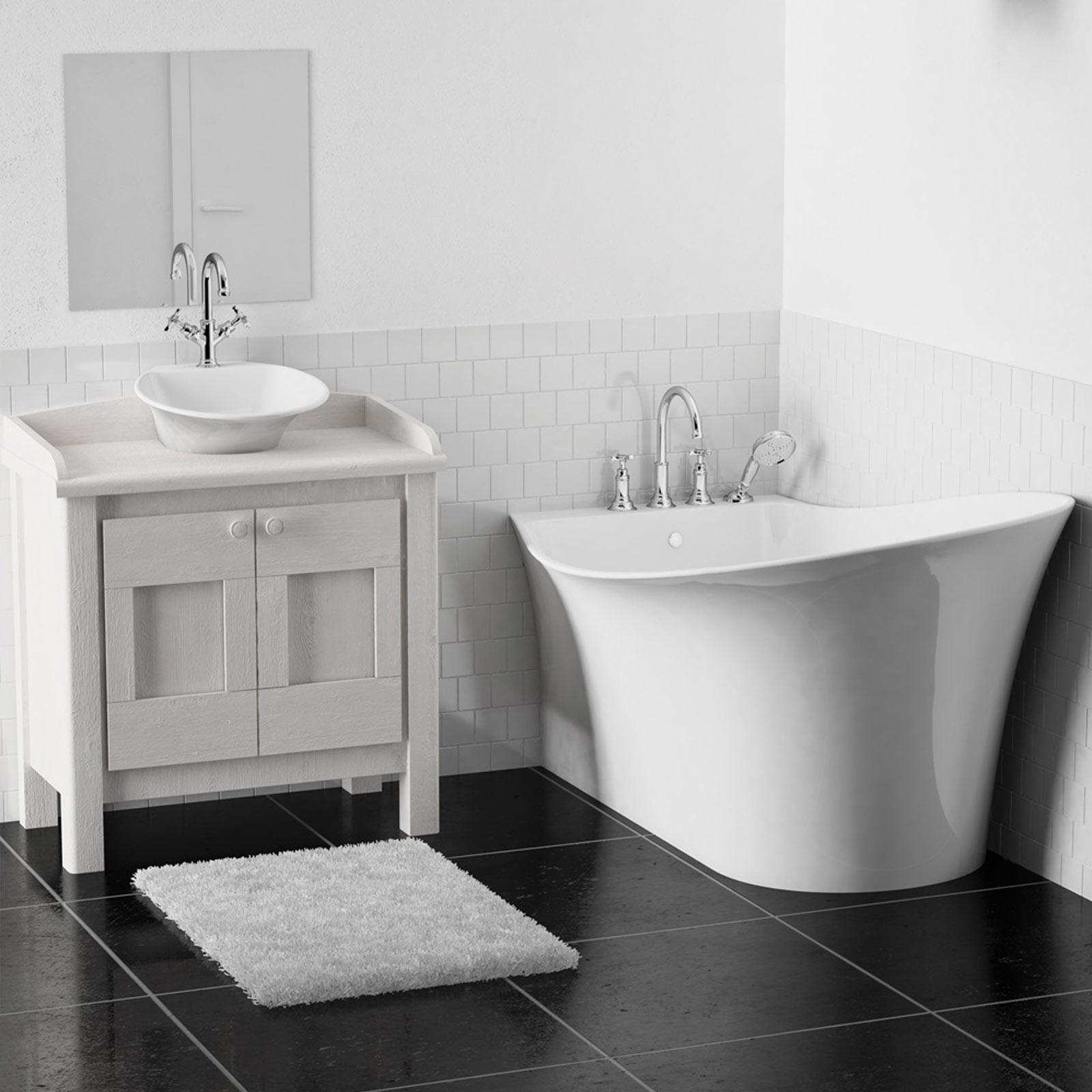 Baignoires lots meubles de salle de bains baignoires for Baignoire ilot carre