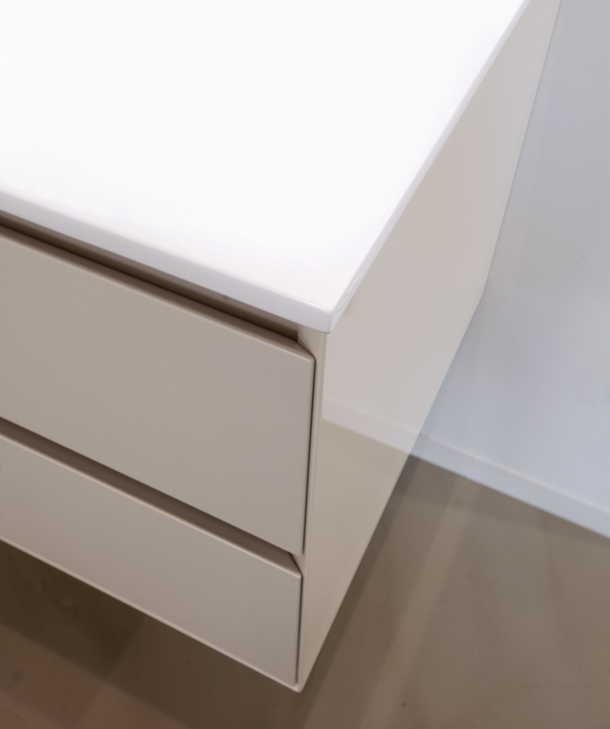 Elite meubles de salle de bains baignoires fabricant for Fabricant meuble salle de bain