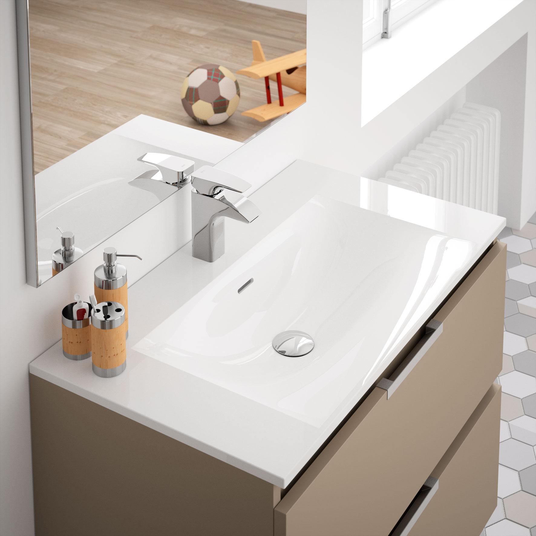 Ten meubles de salle de bains baignoires fabricant for Baignoire largeur 60